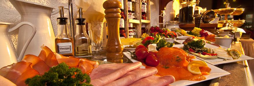 Langschläferfrühstück, Hotel-Café Germania