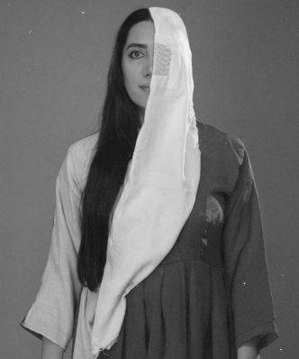 """Herzliche Einladung zur Vernissage und Ausstellung der afghanischen Künstlerin Mujaheda Khowajazada """"Leben hinter dem Schleier"""""""